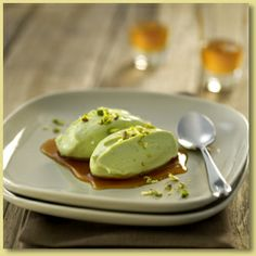 Creamy Avocado with Pistachio and Maple Syrup Recipe - Avocados Australia