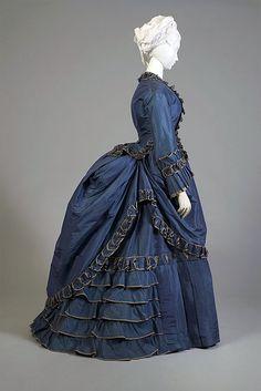 1870s Fashion, Edwardian Fashion, Vintage Fashion, Gothic Fashion, Antique Clothing, Historical Clothing, Historical Dress, Vintage Gowns, Vintage Outfits