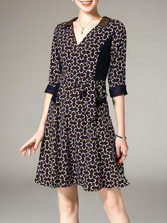 #AdoreWe #StyleWe Midi Dresses❤️Designer ELENYUN Multicolor Printed Half Sleeve V Neck A-line Casual Midi Dress - AdoreWe.com