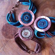 Joyas de crin, (horsehair), hechos con materiales nobles como el cobre, plata y cuero natural. En Facebook , crin urbano