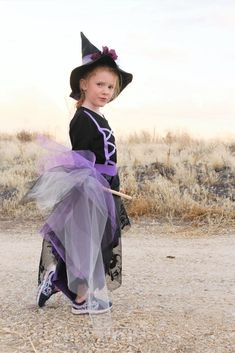 Make a homemade witch costume with this easy to follow step by step tutorial.  Whether you sew a lot or just a little, this is a great beginner sewing project. Halloween Sewing, Witch Costumes, Costume Hats, Halloween Projects, Fall Halloween, Homemade Witch Costume, Woody And Jessie Costumes, Pajama Pattern