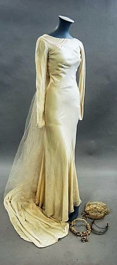 1930s Bridal Gown by Victor Stiebel - Ivory velvet bias-cut gown (shown with accessories), via LiveAuctioneers