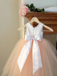 Flower Girl Dress, 2018 White Peach Floor Length Flower Girl Dresses Sleeveless Ball Gown Formal Bow Sashes First Communion Dress Kids Party Gowns Mint Bridesmaid Dresses, Bridesmaid Flowers, Wedding Bridesmaids, Wedding Dresses, Peach Flower Girl Dress, Peach Flowers, Flower Girl Dresses, Flower Girls, Costume Carnaval
