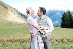 Hochzeit im Dirndl hoch in den Bergen Bergen, Wedding Dresses, Fashion, Bride Dresses, Moda, Bridal Gowns, Fashion Styles, Weeding Dresses, Wedding Dressses
