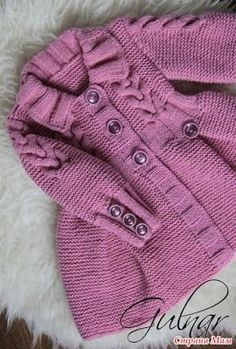 Tricot - patrons et patrons: Cardigans tricotés pour tricot - Вязание – модели и схемы: Вязаные кардиганчики дл… Tricot – patrons et patrons: cardigans tricotés pour petites princesses – idées Baby Knitting Patterns, Knitting For Kids, Easy Knitting, Knitting Ideas, Baby Cardigan, Cardigan Bebe, Knit Baby Sweaters, Girls Sweaters, Cardigans