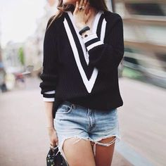 Black Deep V-neck Long Sleeve Contrast Striped Trim Sweater