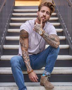 Travis DesLaurier | Model
