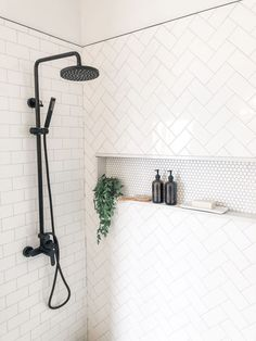 INSPIRATION: CHOOSING SUBWAY TILE DESIGNS FOR YOUR BATHROOM Bad Inspiration, Bathroom Inspiration, Bathroom Ideas, Bathroom Organization, Budget Bathroom, Bathroom Pics, Shower Ideas, Bathroom Cabinets, Bathroom Storage
