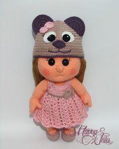 English Pattern  JUST CLOTHES Bear Hat and Dress door HavvaDesigns