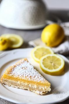 Lemon Cheesecake mit 3 Layers of Happiness - sabrinasue - in love with food - Lemon Cheescake Sweet Desserts, Just Desserts, Delicious Desserts, Yummy Food, Lemon Cheesecake, Cheesecake Recipes, Dessert Recipes, Yummy Treats, Sweet Treats