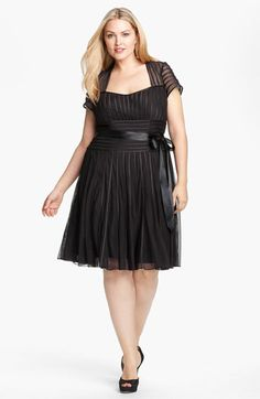 Trim Mesh Sweetheart Dress #Plus #Size