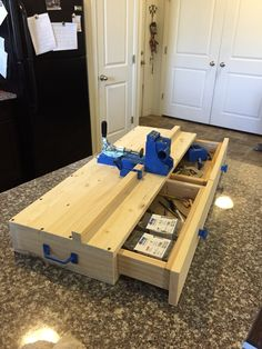 Go follow @rusticgroveworkshop Custom Kreg Jig Work Station with two storage drawers and a carrying handle.
