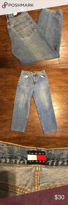 """Tommy Hilfiger Men's Jeans Freedom 33x34 Tommy Hilfiger men's jeans tag size 33x34 Freedom with flag patch on back. Medium-Light wash. Excellent used condition! No holes, stains, or flaws. Very minimal - no wear along hems. Please see measurements to ensure proper fit. Inseam measures 4"""" shorter than stated tag size. Pants may have been hemmed in the past. Measurements:  Waist: 33"""" Inseam: 30"""" Rise: 8"""" Low rise Tommy Hilfiger Jeans Relaxed"""