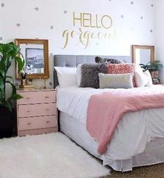 Pink and Grey Bedroom with Gold Wall Sticker - Cute Teenage Girl Bedroom Ideas: . Pink and Grey Bedroom with Gold Wall Sticker - Cute Teenage Girl Bedroom Ideas: Cool Teen Girl Room Decor Ide Bedroom Ideas For Teen Girls Small, Teen Girl Rooms, Teenage Girl Bedrooms, Kids Rooms, Teenage Room, Small Room Bedroom, Trendy Bedroom, Girls Bedroom, Diy Bedroom