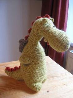Needlebound / Nalbound dragon called Naalson, made in Oslo stitch using wool…