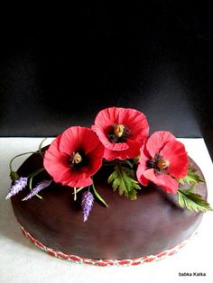 Chocolate cake with poppies