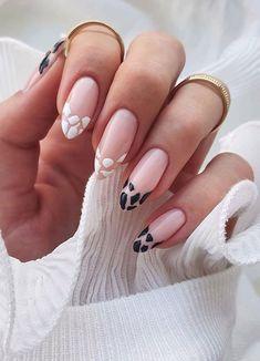 Black And White Nail Art, White Nails, Shellac Nail Art, Gel Nails, Manicures, Square Nail Designs, Nail Art Designs, Zebra Print Nails, Zebra Nail Art