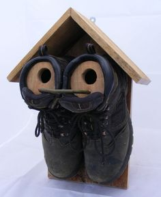 Double boot bird house #birdhouseideas #birdhousetips