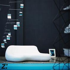 Divano | Sofa KOOCHY, Karim Rashid 2007 Un divano dalla forma organica per un comfort a tutto tondo.  An organic-shaped sofa for an all-round comfort.
