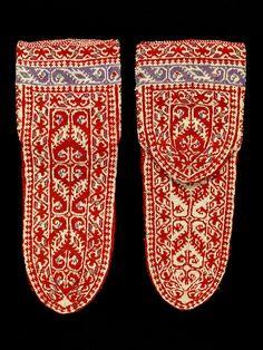 RISD Museum: Unknown artist, Persian, Socks, ca. Gift of Martin Birnbaum Fair Isle Knitting, Knitting Socks, Hand Knitting, Knitted Slippers, Wool Socks, Knitting Designs, Knitting Projects, Medieval Crafts, Socks