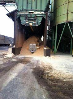 "Foreman at the gate: ""Drive into the loading chute, pull lever to load, close overflow valve. Heavy Duty Trucks, Big Rig Trucks, Old Tractors, Peterbilt Trucks, Construction, Vintage Trucks, Custom Trucks, Heavy Equipment, Drag Racing"