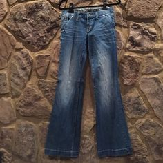 """TEMP REDUCTIONMiss Me"""" wide leg jeans """"Miss Me"""" wide leg jeans, size 28, 33 inch inseam- like new, factory distressing Miss Me Jeans Flare & Wide Leg"""