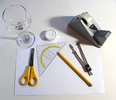 DIY: Ganz einfach & schnell Lampenschirme für Weingläser basteln     Kerzen... kann man nicht genug haben. Aber einfach ein Teelicht auf ...