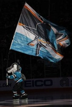 the hardest working mascot in the nhl~ Hot Hockey Players, Ice Hockey, Cool Sharks, Hockey Wife, Team Mascots, San Jose Sharks, Flags Of The World, Sports Teams, Bay Area