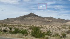 Two UFOs flying over Arizona-California desert 29-Sep-2010