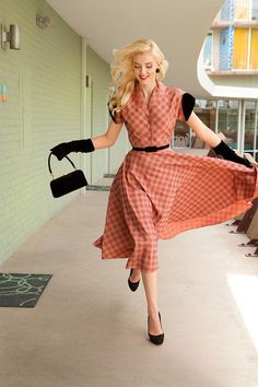 preciousdailyoutfits:    Retro Fashion Photo Shoot by Harrison Hurwitz Photography