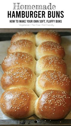 Homemade Hamburger Buns – How to make your own soft, fluffy buns. Making homemade hamburger buns is easy if you plan ahead. Your guests will be so impressed to learn your soft, fluffy buns are homemade! Homemade Hamburger Buns, Homemade Buns, Homemade Hamburgers, Homemade Recipe, Bread Machine Hamburger Bun Recipe, Fluffy Bun Recipe, Soft Buns Recipe, Hamburger Recipes, Pastries