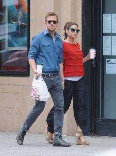 Eva-Mendes-et-Ryan-Gosling-a-New-York-le-10-mai-2012_exact1024x768_p.jpg (572×768)