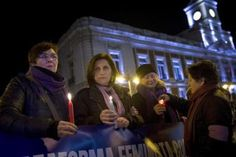 Las mujeres en huelga de hambre en la Puerta del Sol abandonan la protesta al lograr su objetivo. Europa Press   El Mundo, 2017-03-08 http://www.elmundo.es/madrid/2017/03/08/58bf535846163f23098b4648.html