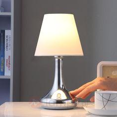 Schludna lampa stołowa Marike z abażurem 9620809