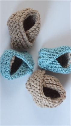 to Knit Baby Booties Shoes Squee! Too cute! Learn how to Knit Baby Booties Shoes with Free Pattern + Video Tutorial by Studio Knit! Too cute! Learn how to Knit Baby Booties Shoes with Free Pattern + Video Tutorial by Studio Knit! Baby Booties Knitting Pattern, Baby Shoes Pattern, Crochet Baby Shoes, Crochet Baby Booties, Crochet Slippers, Baby Knitting Patterns, Crochet Patterns, Knit Shoes, Free Knitting