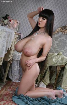 Hitomi tanaka naked image