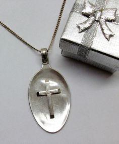Zuckerlöffelanhänger mit Jesus-Kreuz 925 AH142 von Atelier Regina auf DaWanda.com