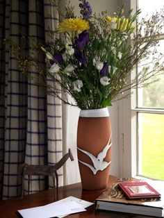 Classic range vase by Stephen Pearce Pottery. Irish Pottery, Pottery Shop, Earthenware, Beautiful Flowers, Special Occasion, Range, Display, Traditional, Classic
