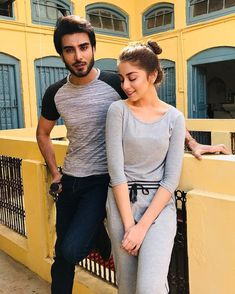 Alizeh Shah and Imran Abbas in Muree for Shooting of their Upcoming Drama Kun Fayakun Pakistani Models, Pakistani Girl, Pakistani Actress, Cute Girl Pic, Stylish Girl Pic, Girly Pictures, Celebrity Pictures, Hijabi Gowns, Pakistani Bridal Hairstyles