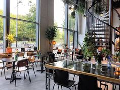 The Wibautstraat in Amsterdam-East keeps getting better and better. Now also Benjis Amsterdam has opened its doors here. Check it out on the blog