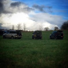 Here we see a rare sight a brace of Land Rovers in their natural habitat... #LandRover #LandRoverDefender #LandRoverDiscovery #RangeRover #Defender #Discovery #Shooting #ClayPigeon #GreatBritishCountryside #CountryLife #Home #HeathHouseEstate by darrencollins Here we see a rare sight a brace of Land Rovers in their natural habitat... #LandRover #LandRoverDefender #LandRoverDiscovery #RangeRover #Defender #Discovery #Shooting #ClayPigeon #GreatBritishCountryside #CountryLife #Home…