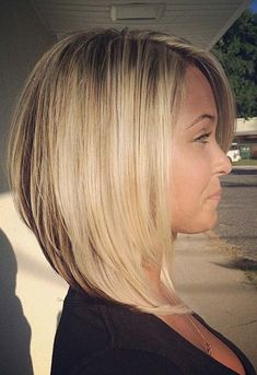 Graduated Bob Hairstyles Ideas for 2020 Stylish and Eye Catching 19 Graduated Bob Haircuts Graduated Bob Hairstyles, Medium Bob Hairstyles, Straight Hairstyles, Cool Hairstyles, Hairstyle Ideas, Haircut Medium, Haircut Long, Bob Haircut For Round Face, Pixie Haircuts
