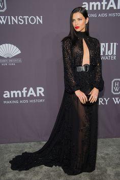 Adriana Lima en robe Zuhair Murad haute couture de la collection automne-hiver 2016-2017 au gala de l'amfAR à New York