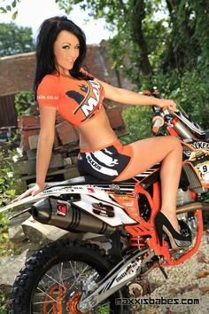 on supermoto nude amateur girl