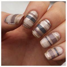 New simple nails | Instagram photo by @Lisa Mullins via ink361.com