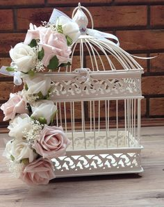 VINTAGE SHABBY CHIC DUSKY PINK IVORY ROSES BIRD CAGE WEDDING CENTREPIECE FLOWERS Más