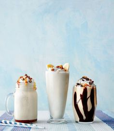 Learn how to make Salted Caramel-Pecan Milk Shake . MyRecipes has tested recipes and videos to help you be a better cook No Cook Desserts, Frozen Desserts, Dessert Recipes, Frozen Treats, Fruit Dessert, Cold Desserts, Sweet Desserts, Dessert Ideas, Homemade Chocolate