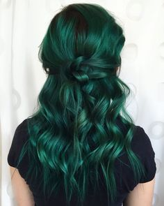 INH GREEN HAIR INSPO