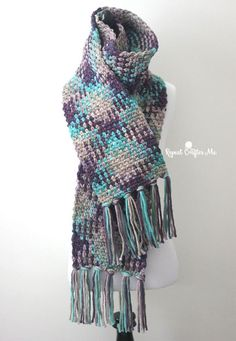 If you haven't seen this crochet trend, you are about to be amazed! Variegated yarn just got a whole lot better looking with the planned color pooling technique! Many variegated yarns have a repeating