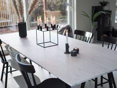Spisebord - DIY   HVITELINJER Dining Furniture, Diy Furniture, Dining Area, Dining Table, Kitchen Tables, Dining Room, Diy Esstisch, Rustic Table, Kitchen Interior